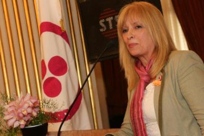 Entrevista a Inés Palomeque: la Ley 26819 y la Bandera de la Paz de Roerich